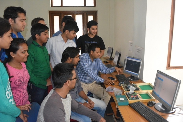 VLSI Lab / Digital Circuit Design (VHDL) Lab